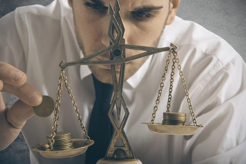 Cómo equilibrar tu trabajo freelance con tu trabajo a tiempo completo